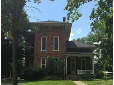 4 Bed 1 Bath Foreclosure Property in Quincy, MI 49082 - S Main St