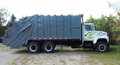 Roll Off Dumpster Rental Bloomfield Hills, MI