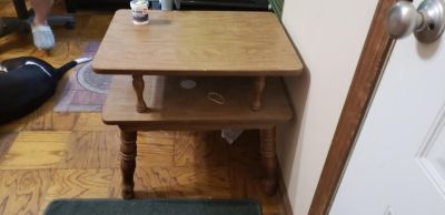 End/Side Table 22 in tall 2ft long 17 1/2 inches wide