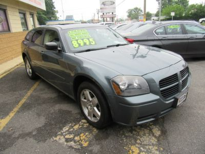 2005 Dodge Magnum SXT (Mineral Gray Metallic)