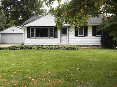 316 Grove Avenue N Silver Lake, Welcome home!