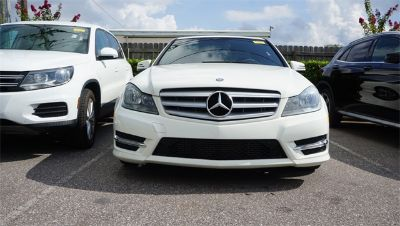 2012 Mercedes-Benz C-Class C250 Luxury (White)
