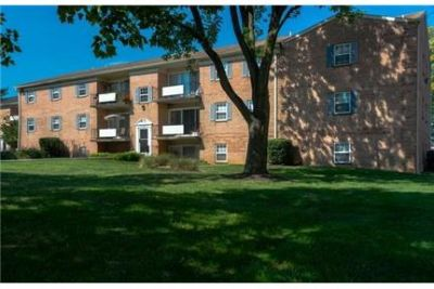 4 bedrooms Apartment - Accessible To I-83 and I-695.