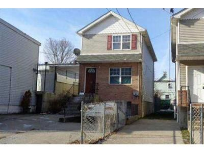 3 Bed 2 Bath Foreclosure Property in Staten Island, NY 10310 - Alaska St