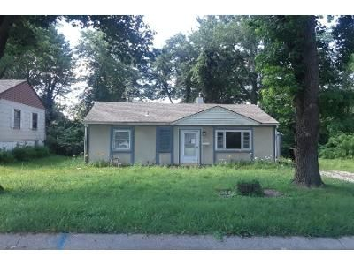 3 Bed 1.0 Bath Preforeclosure Property in Kansas City, MO 64118 - NE 59th St