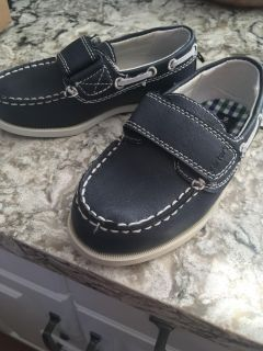 Carters toddler size 9 boys
