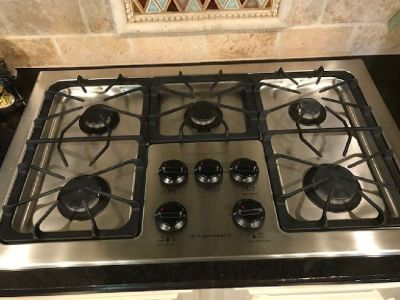 Frigidaire Gas Cook Top, 5 burner