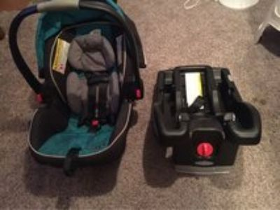 Graco SnugRide 35 Car seat!
