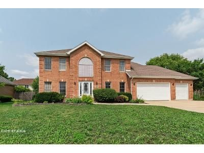 4 Bed 2.5 Bath Foreclosure Property in Lisle, IL 60532 - Parkview Dr