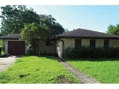 3 Bed 1 Bath Foreclosure Property in Port Arthur, TX 77640 - 33rd St