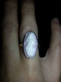 Beautiful, vintage Cameo ring, yellow gold. Size 6/7