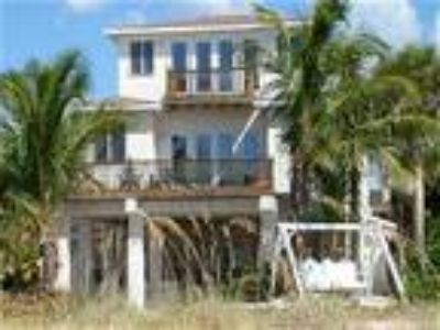 Palm Villa -- Beachfront Executive Home/Family Retreat - House
