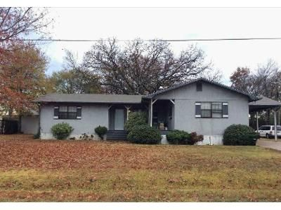 3 Bed 2 Bath Foreclosure Property in Kilgore, TX 75662 - Sunset Dr