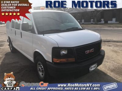 "2015 GMC Savana Cargo Van RWD 3500 135"" (Summit White)"