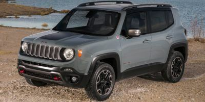 2017 Jeep Renegade Trailhawk (Alpine White)