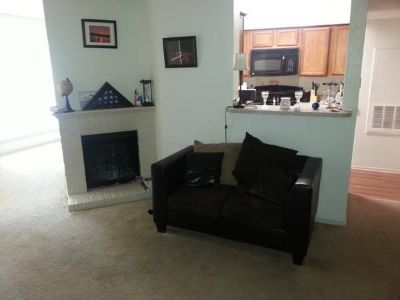 - $450 Looking to have someone move in todayWalk in closet,personal bathroom (Irving)