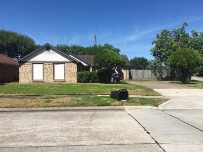 3 Bed 2.0 Bath Preforeclosure Property in La Porte, TX 77571 - Collingswood Dr