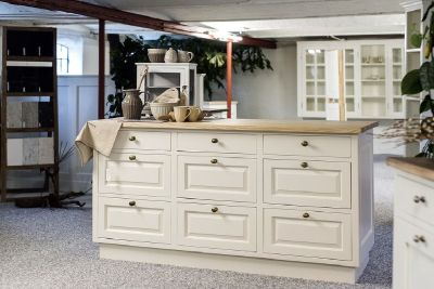 Affordable Vintage White Cabinets from GEC Cabinet Depot