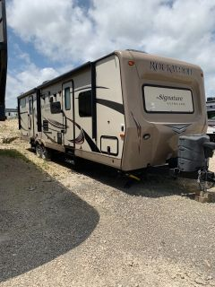 2015 Forest River ROCKWOOD SIGNATURE ULTRA LITE 8312SS