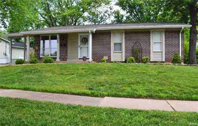 1675 Layven Avenue FLORISSANT Three BR, Come see this lovingly