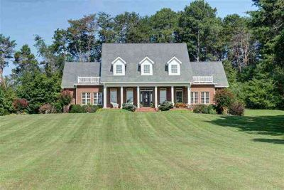 1042b County Road 609 Etowah Four BR, From the moment you