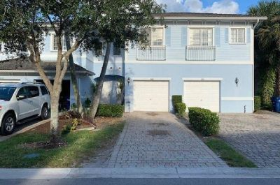 Beautiful move in ready 3 bedroom 2.5 bath townhome.