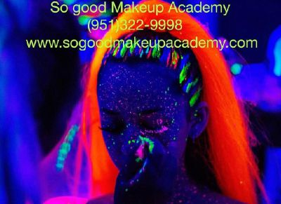 Makeup artist teacher