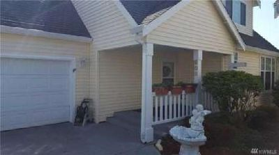 908 Landing Wy Centralia, Spacious Three BR home in a gated