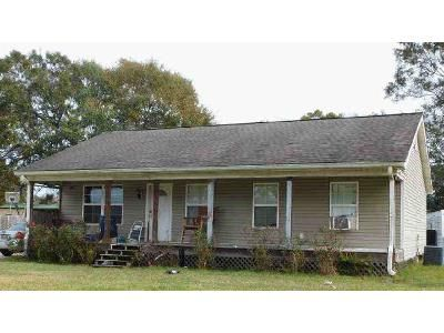 3 Bed 2 Bath Foreclosure Property in New Iberia, LA 70563 - Dorcey Rd