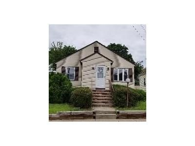 2 Bed 1 Bath Foreclosure Property in Providence, RI 02908 - Jastram St