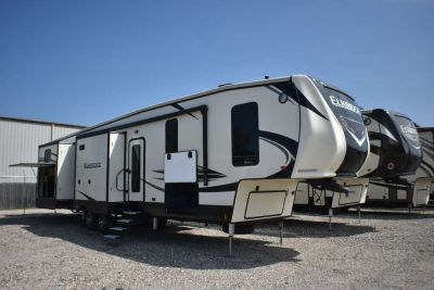 2018 Heartland ElkRidge 38RSRT by Heartland RVs
