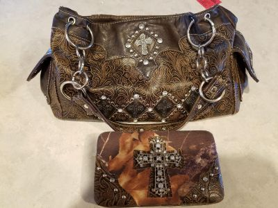 Leather purse and wallet