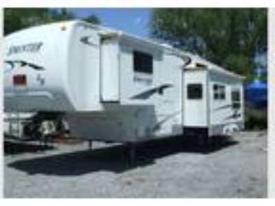 2005 Keystone Fifth Wheel Trailer