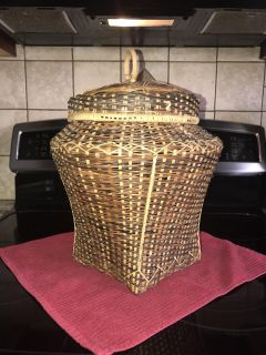 Super cool wicker basket with lid! Large