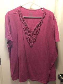 Pink V-neck T-shirt with Lace Trim Size 4X
