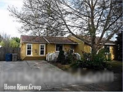 4 Bed in Ideal Boise Location - Gas FP, Wood Floors, Covered Patio!