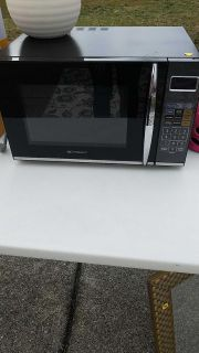 Emerson microwave with top grill