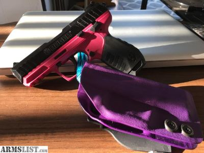 For Sale: SR22 raspberry (pink)