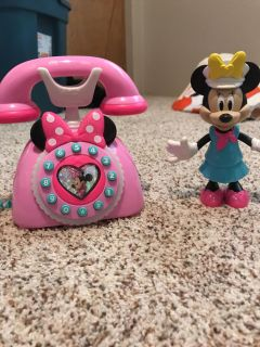 Minnie phone and doll