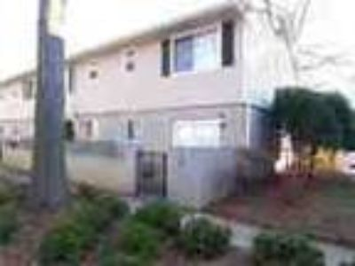 Great Townhome And Great Location Minutes To Ga 4