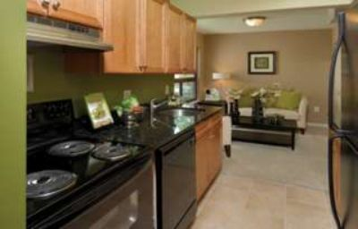 $1,620, Glen Oaks Apartments