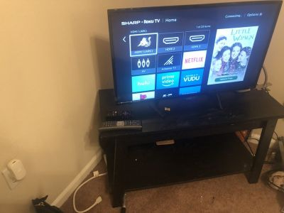 32 Sharp Roku TV (w/stand)