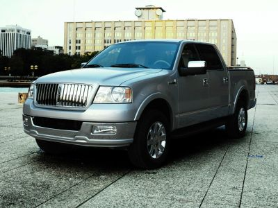 2007 Lincoln Mark LT Base (Silver Clearcoat Metallic)