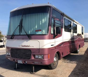By Owner! 1999 32ft. Fleetwood Southwind 32V w/slide
