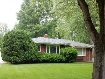 3 Bed 1 Bath Preforeclosure Property in Akron, OH 44306 - Faye Rd