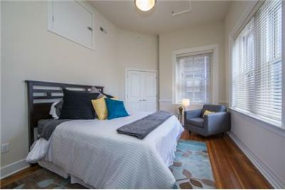 3 bedrooms - Morton Apartments is located in 's Arts District near shopping, dining.