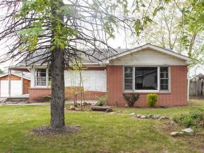 2 Bed 2 Bath Foreclosure Property in Columbus, IN 47201 - Denoise St