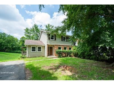 4 Bed 4 Bath Foreclosure Property in Sterling, VA 20164 - N Lincoln Ave