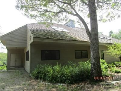 Foreclosure Property in Old Lyme, CT 06371 - Tinker Ln