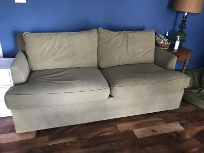 $50 if picked up TODAY! EUC Olive/Sage Couch / Sofa